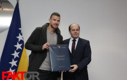 Kapitenu Zmajeva uručena Državna nagrada za sport