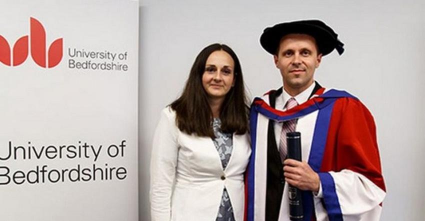 Nedžadu Avdiću iz Srebrenice u Engleskoj uručen počasni doktorat