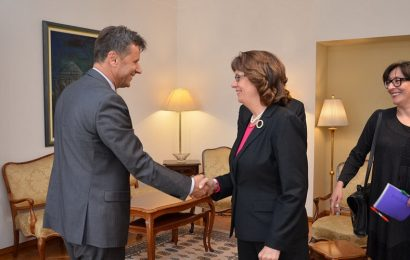 Federalni premijer razgovarao sa američkom ambasadoricom