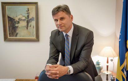 Novalić objavio: U Federaciju BiH ubrzo dolaze vakcine iz Rusije