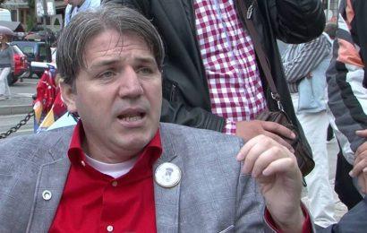 Skandalozno: Mujo Aganović priveden u policiju zbog kritika upućenih američkom ambasadoru