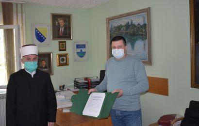 Muftija bihaćki uručio donaciju Kantonalnoj bolnici u Bihaću