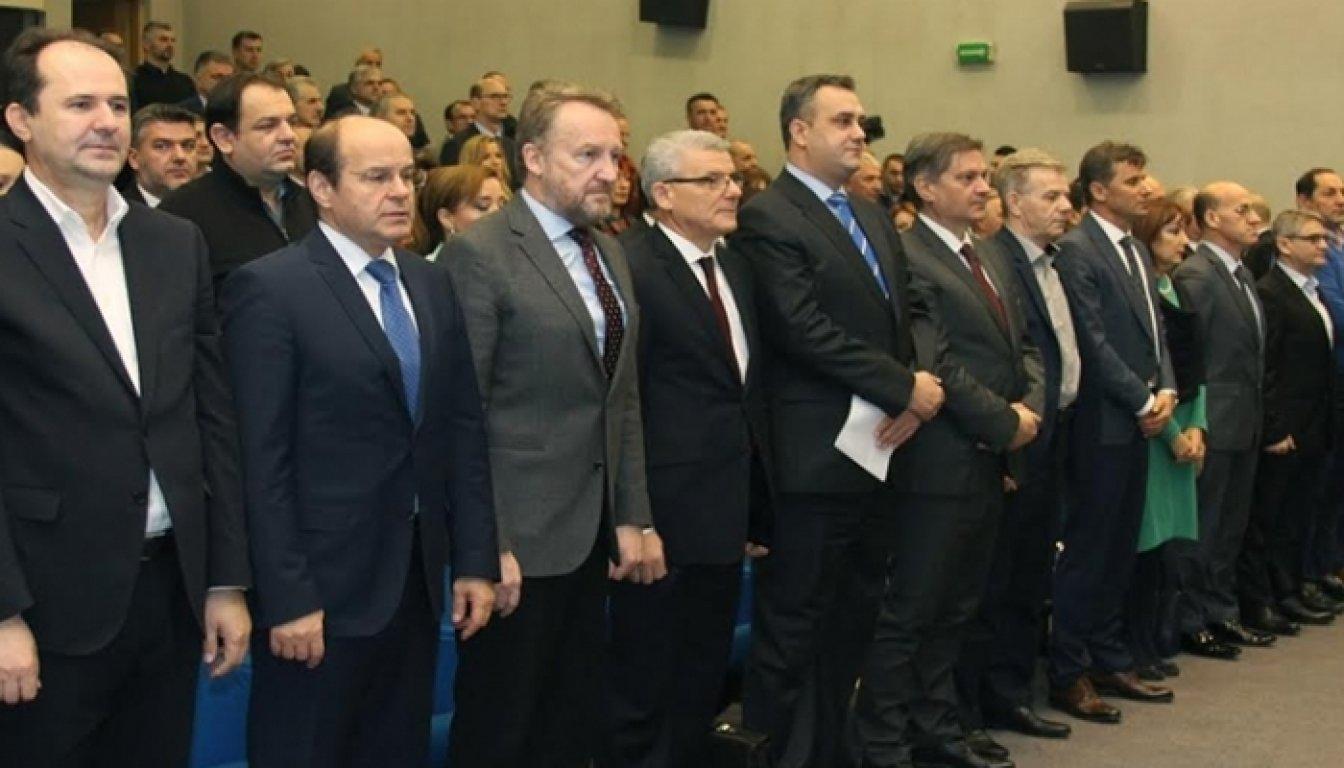 Glavni odbor SDA: O odnosima u regiji, stranci, koaliciji