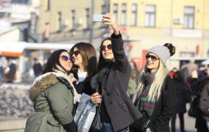 """Turisti """"okupirali"""" Sarajevo: Ulice krcate, traži se krevet više"""