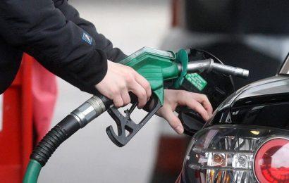 Niko se ne buni: Cijena nafte pada mjesecima, dok cijena goriva u BiH miruje